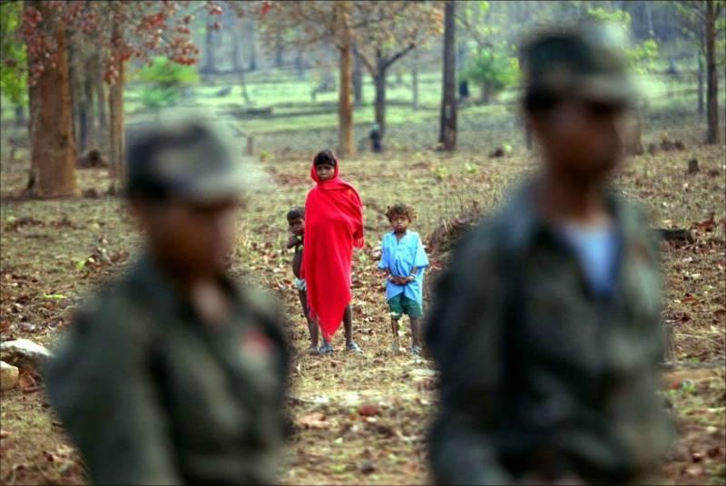 mustafa-quraishi_maoists-14