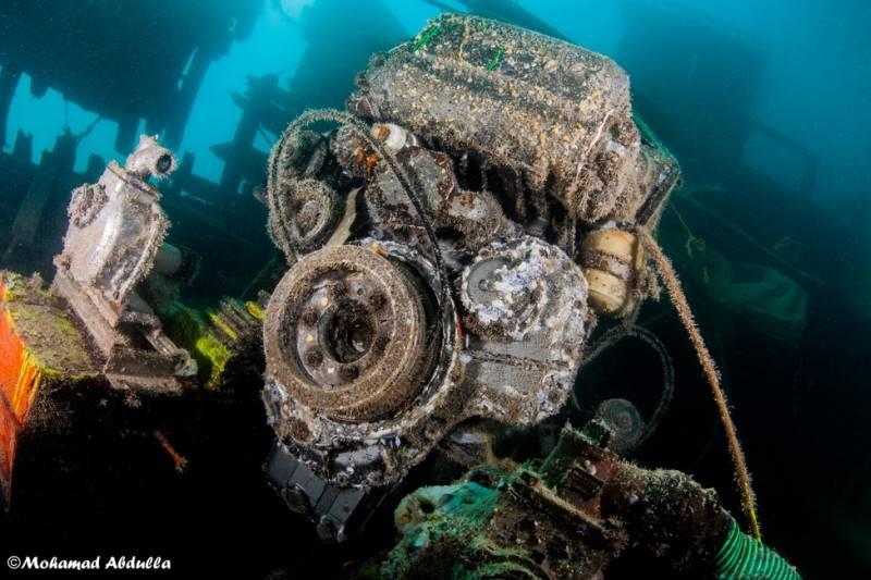 wrecked-underwater-07