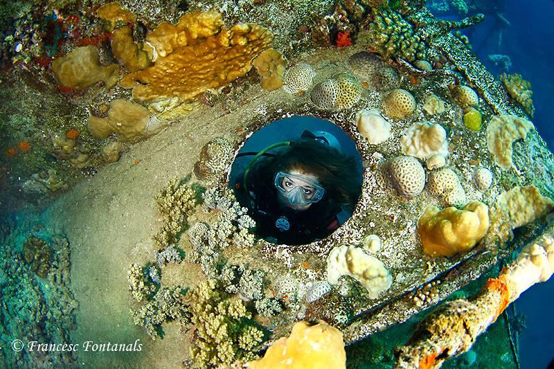 wrecked-underwater-10
