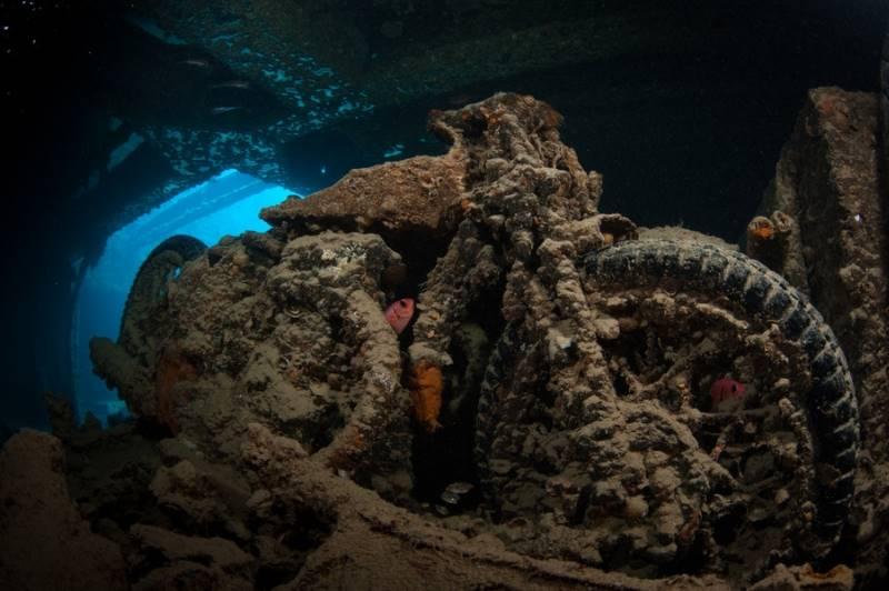 wrecked-underwater-14