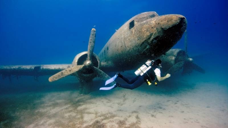 wrecked-underwater-19