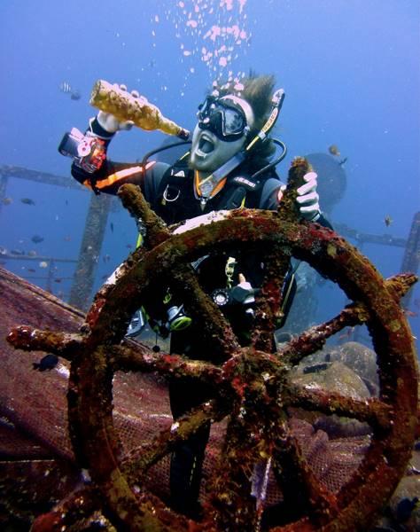 wrecked-underwater-21