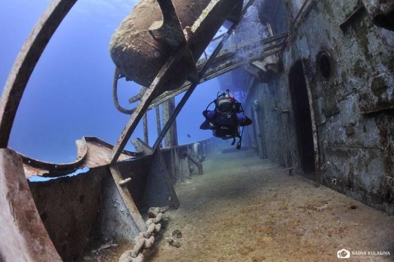wrecked-underwater-23