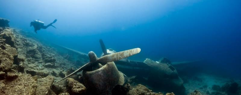 wrecked-underwater-30
