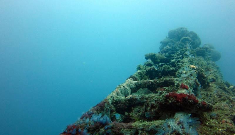 wrecked-underwater-32