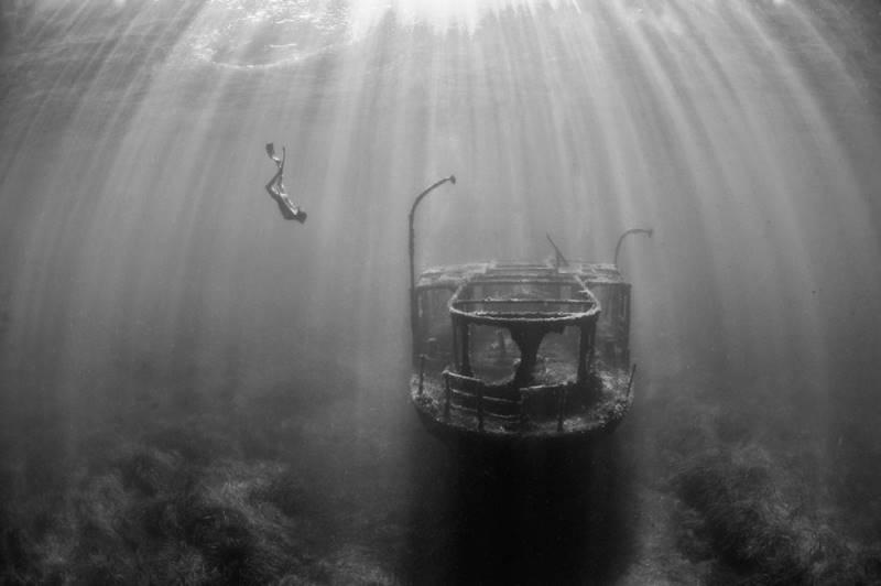 wrecked-underwater-34