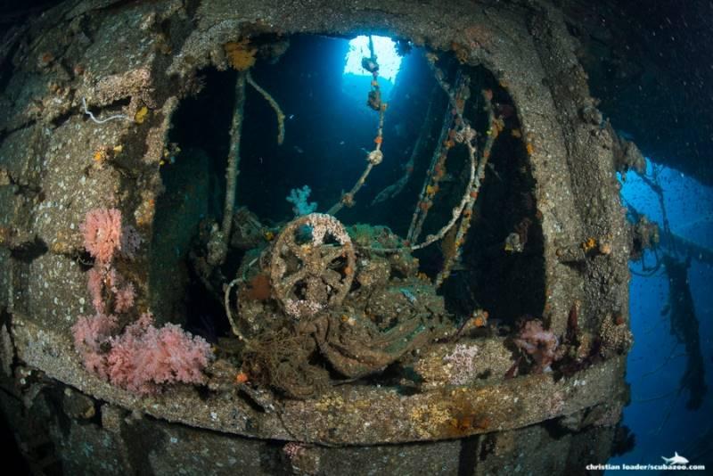 wrecked-underwater-35