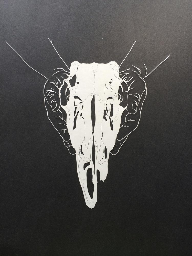 maude-white-05